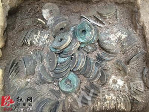 Tang and Song dynasty coins hidden in Cishi Pagoda