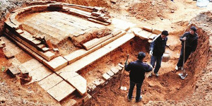 Song Dynasty coins unearthed at ancient tomb